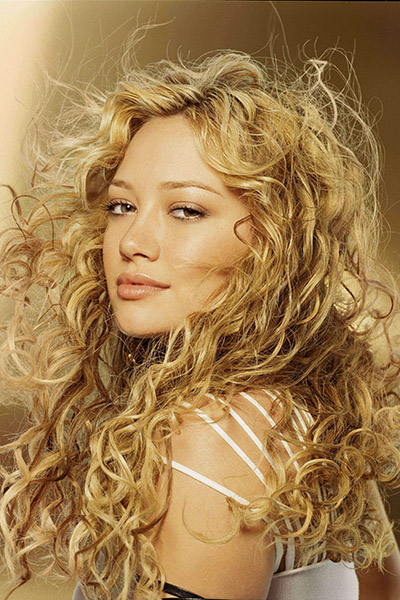 Hilary-Duff-2004-2 Hilary Duff en 15 looks
