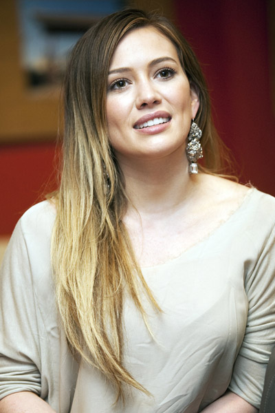 Hilary Duff En 15 Looks Blog La Maison Del Cabello