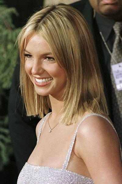 BS-1999 Britney Spears en 15 looks