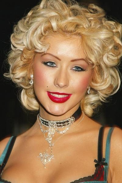 2004 Christina Aguilera en 15 looks