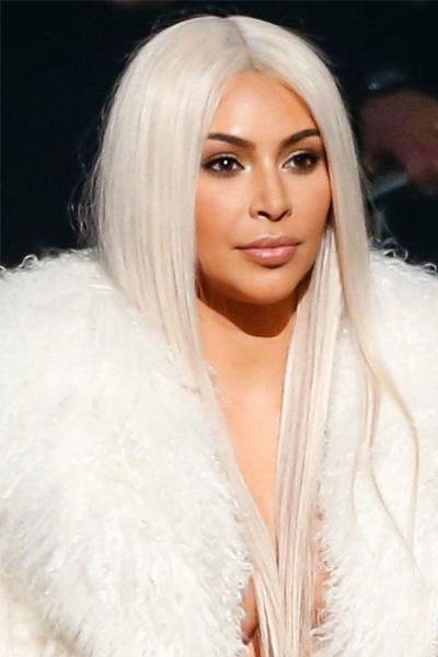 kim-kardashian-09 Kim Kardashian en 15 looks