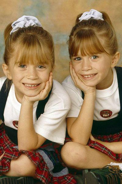 la-maison-del-cabello-scrunchie-90s-olsen-twins-full-house 5 accesorios de los 90 que vuelven a llevarse