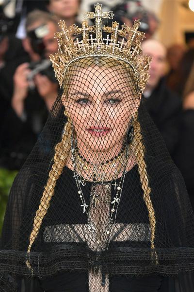 La-Maison-Del-Cabello-Met-Gala-2018-Madonna MET Gala 2018